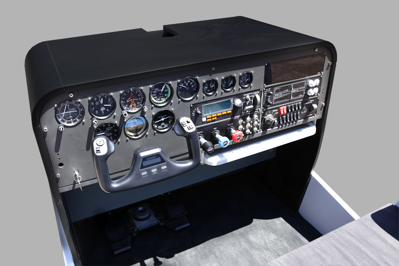 215kg_historicalFlightSimulators-caproniCessna_02